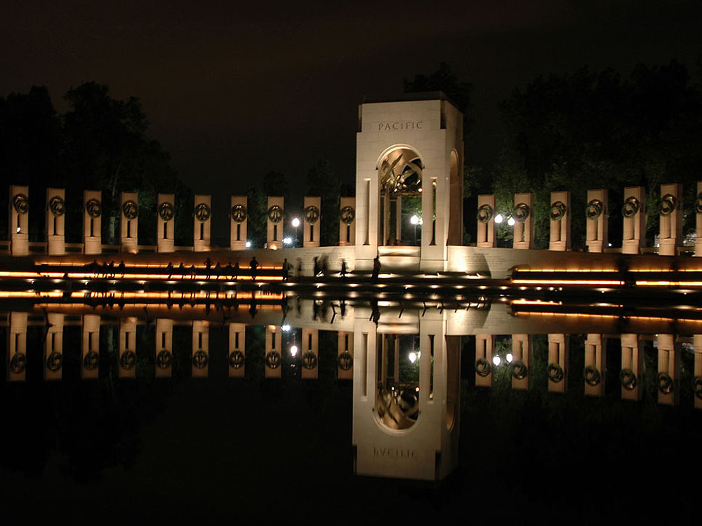 National World War II Memorial, Washington, D.C., May 26, 2004 (U.S. Navy photo by Lt. Cmdr. Jane Campbell)